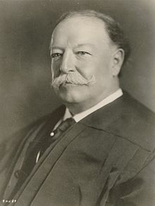 220px-William_Howard_Taft_as_Chief_Justice_SCOTUS
