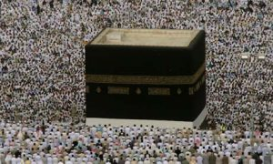 Hajj---muslims-praying-at-001
